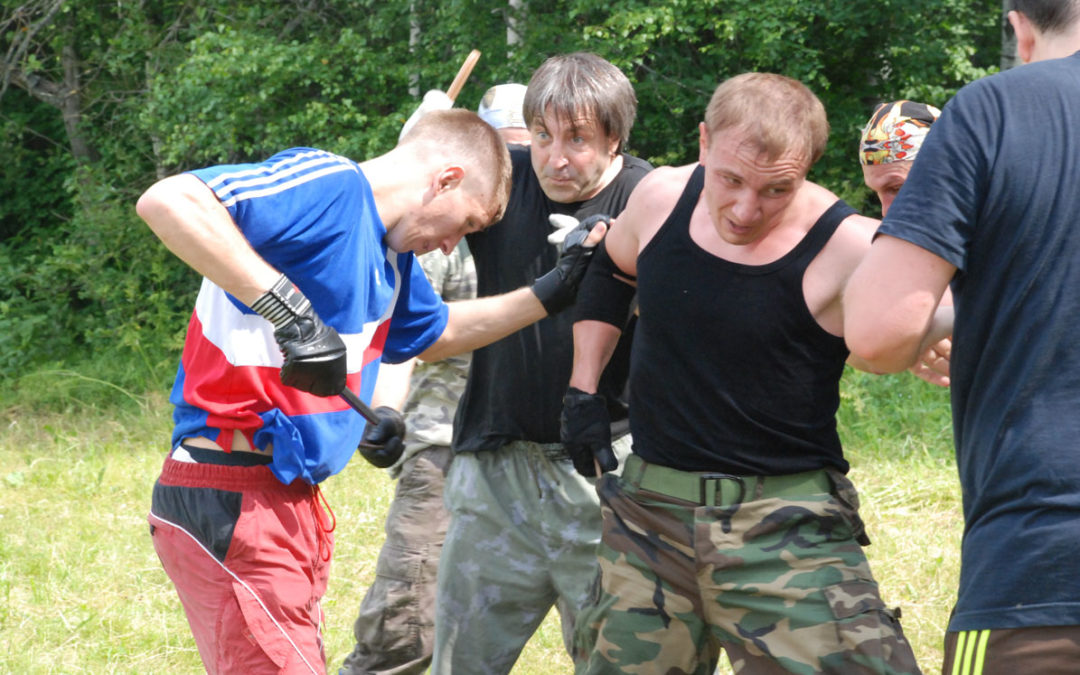 Dlaczego warto trenować sporty walk?